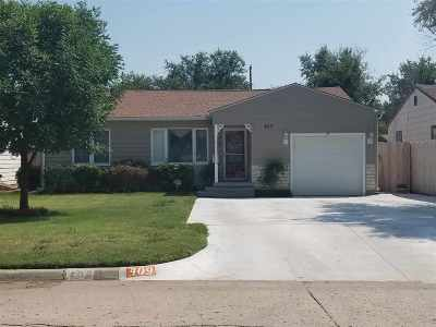 Single Family Home For Sale: 409 W Cottonwood