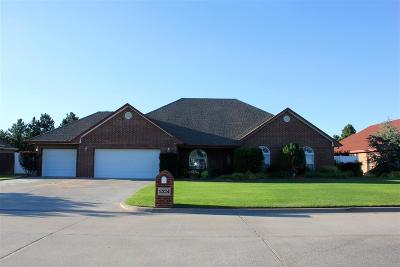 Single Family Home For Sale: 2324 Braxton