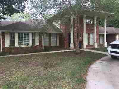 Enid Single Family Home For Sale: 1713 Quailwood Dr