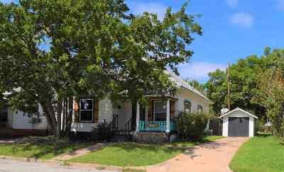 Single Family Home For Sale: 1208 W Randolph