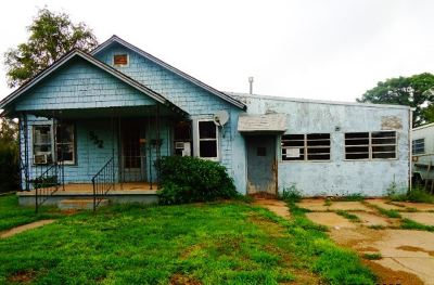 Single Family Home For Sale: 932 Flynn St