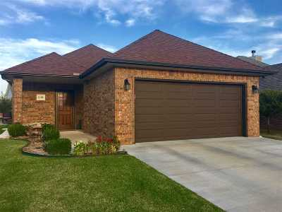 Enid Single Family Home For Sale: 1105 Remington Court