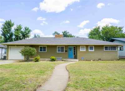 Single Family Home For Sale: 1620 Broadmoor
