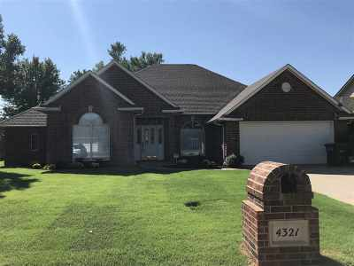 Single Family Home For Sale: 4321 Briar Ridge Rd
