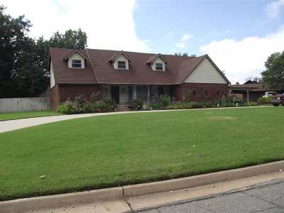 Enid OK Single Family Home For Sale: $304,000