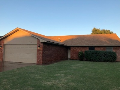 Single Family Home For Sale: 2905 Double Tree