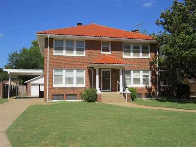Single Family Home For Sale: 1008 W Wabash