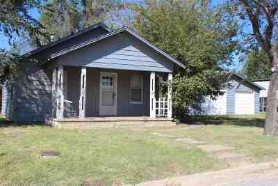 Single Family Home For Sale: 413 S Graham St