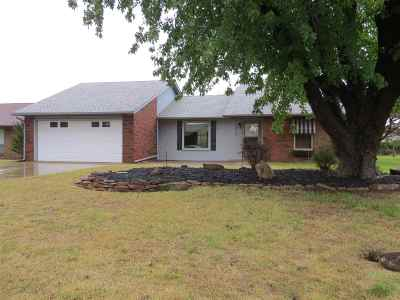 Single Family Home For Sale: 2818 Constitution