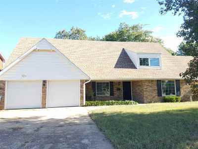 Single Family Home For Sale: 1017 Sunnybrook Lane