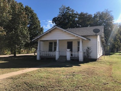 Garber Single Family Home For Sale: 321 E Choctaw