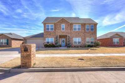 Single Family Home For Sale: 3727 Plantation Dr