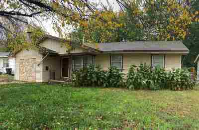 Enid Single Family Home For Sale: 1902 E Garriott