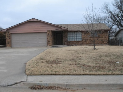 Single Family Home For Sale: 2802 Cherry