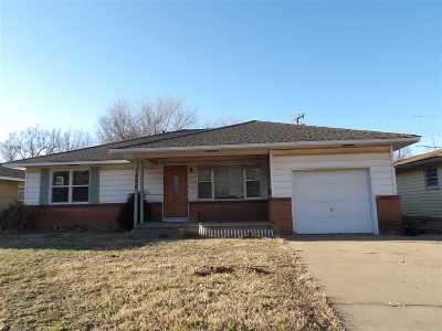 Single Family Home For Sale: 1406 Chickasaw