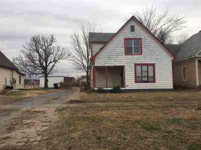 Single Family Home For Sale: 725 E Randolph