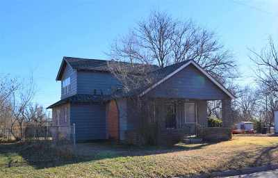 Enid Single Family Home For Sale: 329 S 19th
