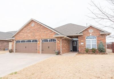 Single Family Home For Sale: 4719 Chaparral Run