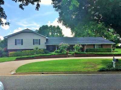 Enid Single Family Home For Sale: 2814 Scissortail Lane