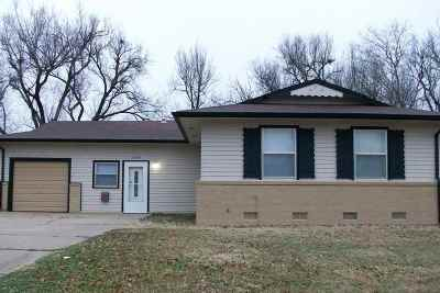 Single Family Home For Sale: 1706 Ponca