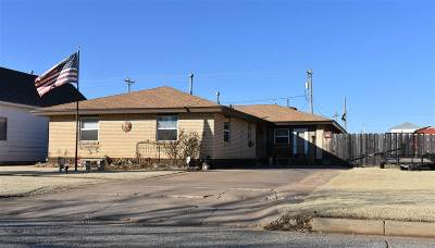 Single Family Home For Sale: 407 N 6th