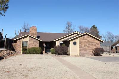 Single Family Home For Sale: 2404 Leaning Elm Rd