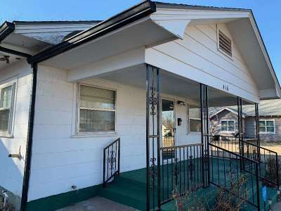 Single Family Home For Sale: 416 N 11th