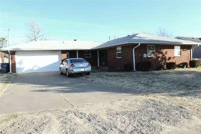 Single Family Home For Sale: 330 Breckenridge Rd