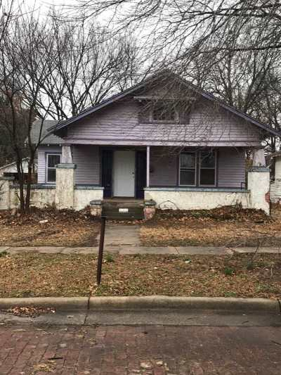 Single Family Home For Sale: 439 E Oklahoma St