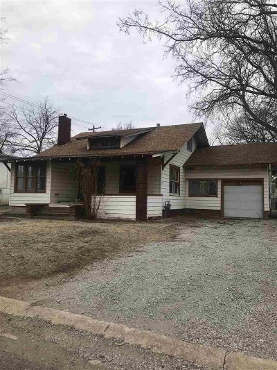 Single Family Home For Sale: 514 N Quincy