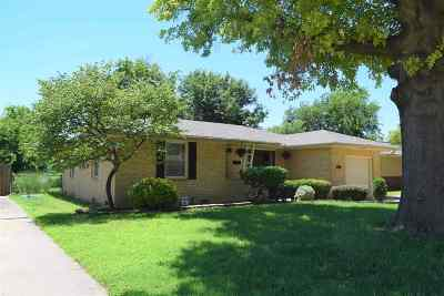 Single Family Home For Sale: 1417 W Thompson