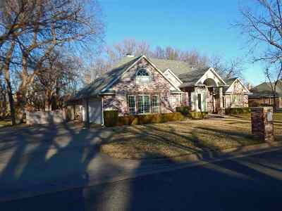 Enid Single Family Home For Sale: 2125 Maple Leaf Circle
