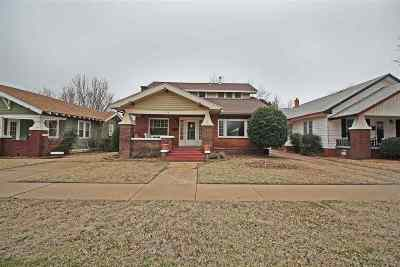 Single Family Home For Sale: 1709 W Cherokee