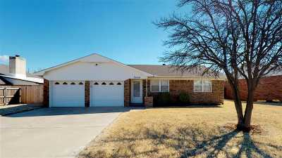 Single Family Home For Sale: 2606 2nd St