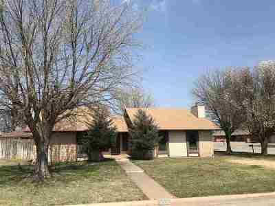 Single Family Home For Sale: 4516 Oakcrest