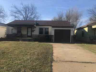 Single Family Home For Sale: 1713 E Oklahoma