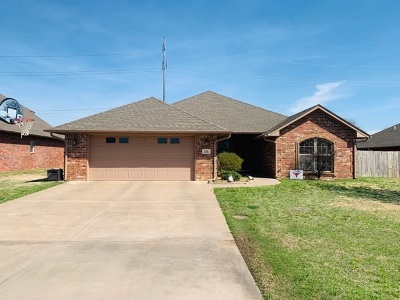 Enid Single Family Home For Sale: 326 Okarche