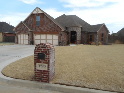 Single Family Home For Sale: 2509 Braxton Dr