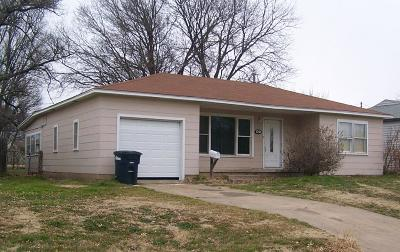 Single Family Home For Sale: 1701 Meadowbrook Dr