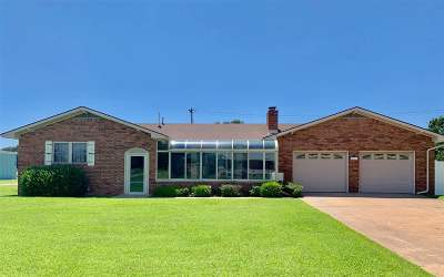 Single Family Home For Sale: 821 S Laird