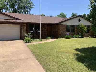 Enid Single Family Home For Sale: 919 Quail Creek Dr