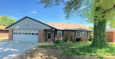 Single Family Home For Sale: 4230 Pin Oak Ave