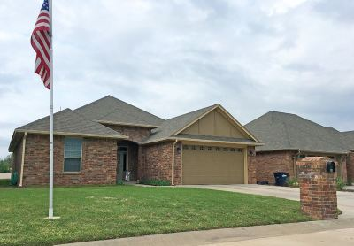 Enid  Single Family Home For Sale: 609 Chisholm Creek