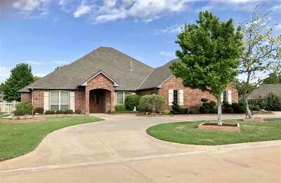 Enid Single Family Home For Sale: 3107 Falcon Crest
