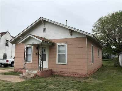 Single Family Home For Sale: 1010 S Oklahoma