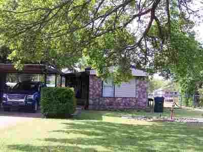 Garber Single Family Home For Sale: 411 W Pawnee