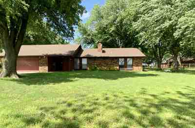 Enid  Single Family Home For Sale: 618 W Centennial