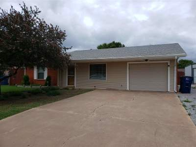 Lahoma Single Family Home For Sale: 232 Anthony Dr
