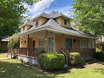 Single Family Home For Sale: 504 W Maple Ave
