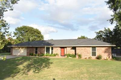 Enid Single Family Home For Sale: 825 Bryan